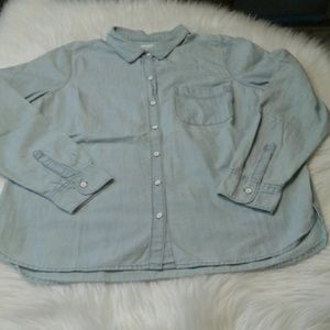 Woman's size L old navy shirt $ 15.00 # 773